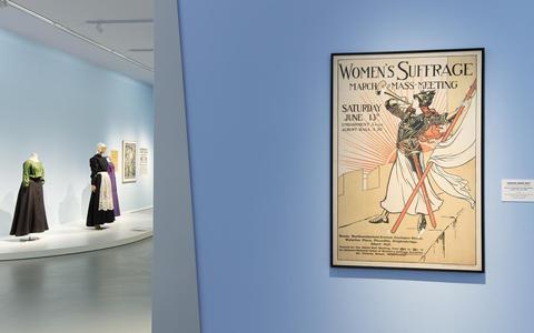 Strijd! 100 jaar vrouwenkiesrecht in het Groninger Museum: Een ware massabeweging