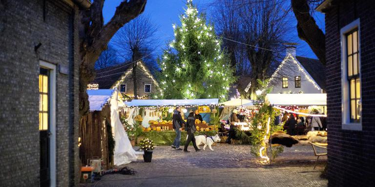 Groningen Weihnachtsmarkt.Vesting Bourtange Gedupeerd Kerstversiering Gestolen