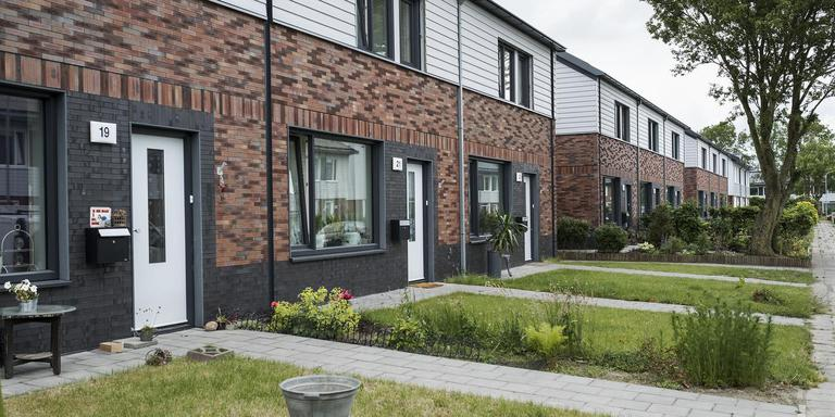 Nieuwbouw voor 34 huurwoningen in middelstum in plaats van for Huizen te koop in groningen