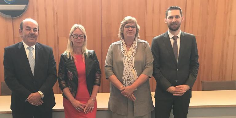 De kandidaat-wethouders Goedhart Borgesius (VVD), Lian Veenstra (SP), Goziena Brongers (CDA) en Johan Hamster (CU).