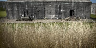 Een deel van het bunkercomplex bij de Punt van Reide. FOTO ARCHIEF DvhN/KEES VAN DE VEEN