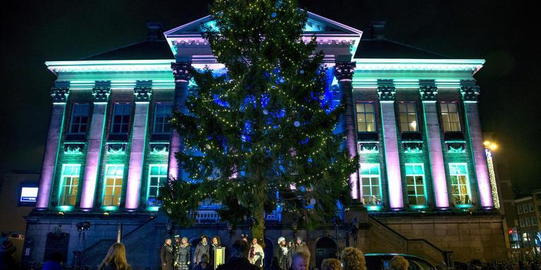 In Pinksterweek Al Op Zoek Naar Kerstboom Grote Markt Groningen