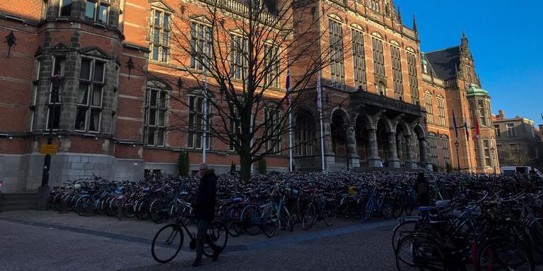 personeel van de rijksuniversiteit groningen kampt met hoge werkdruk