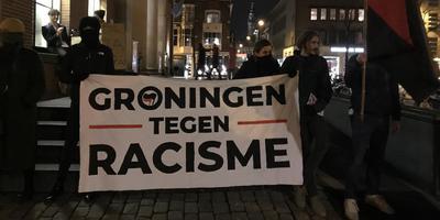Protestactie bij bijeenkomst van de PVV in Groningen. Foto: DvhN
