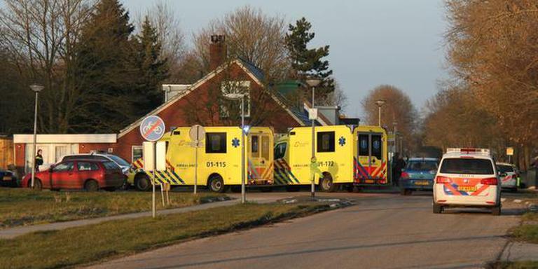 Veel hulpverlening aan de Ganzedijk in Finsterwolde. FOTO 112 GRONINGEN/MELARNO KRAAN