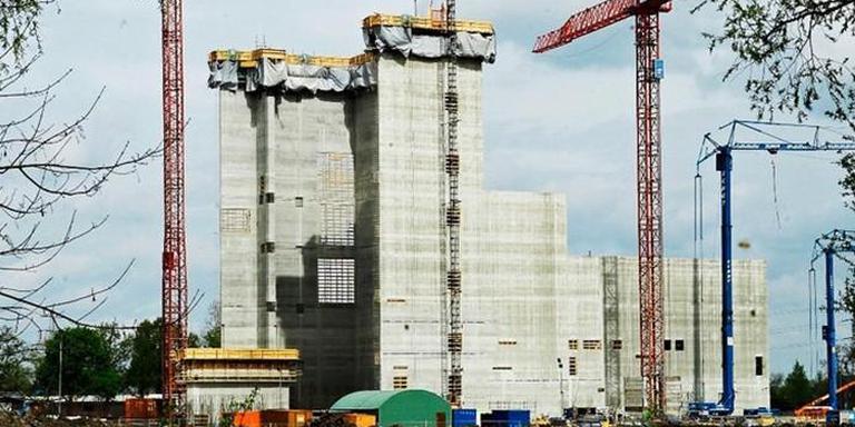De melkfabriek in Borculo in aanbouw, model voor de uitbreiding van FrieslandCampina in Bedum.
