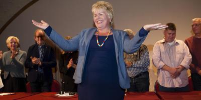 Ineke van Gent tijdens haar installatie als burgemeester van Schiermonnikoog. Foto's Corné Sparidaens