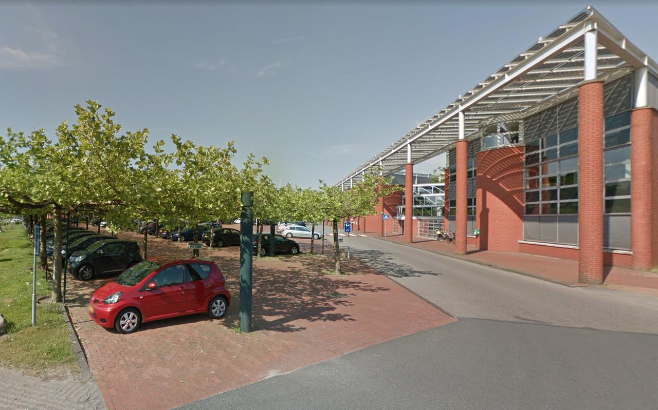 Het gemeentehuis van Westerkwartier in Zuidhorn. Foto: Google Street View.