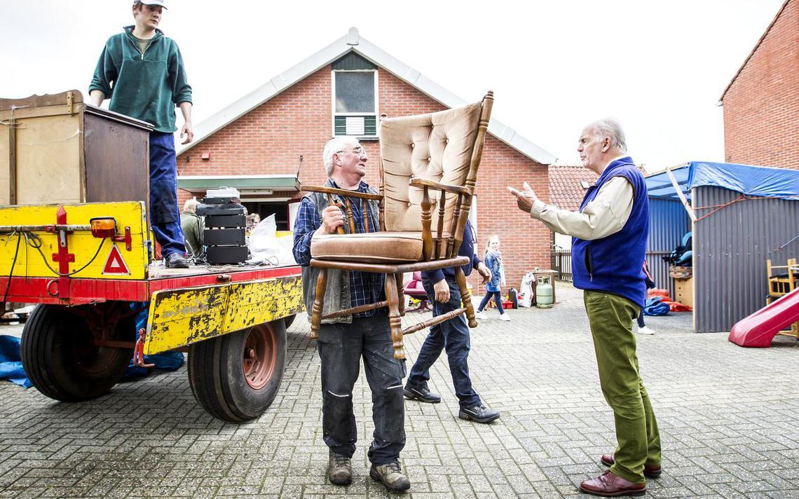 Rommelmarkt Jipsinghuizen houdt dorpshart kloppend - Groningen ... - Dagblad van het Noorden