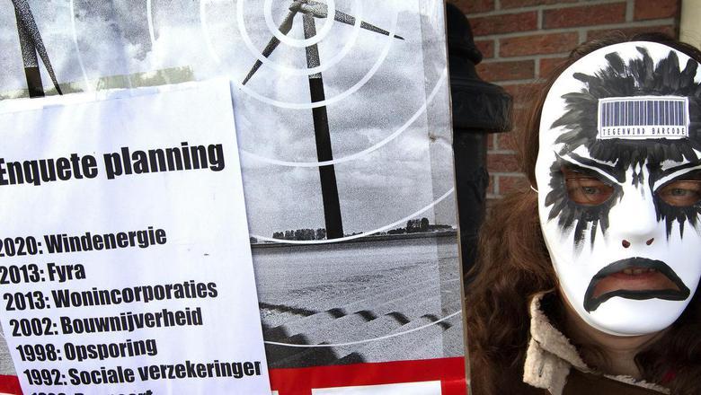 Gasunie vreest de acties tegen het windmolenspark langs de N33 bij Meeden.