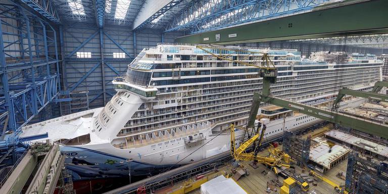 De bouw van het cruiseschip Norwegian Bliss in Papenburg.