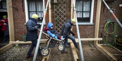 Volgens een rapport van de Gemeentelijke Gezondheidsdienst (GGD) ervaren steeds meer Groningen stress door de gasellende. Foto: Kees van de Veen