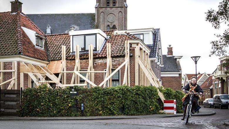 Het Groninger Gas Beraad verbaast zich over de handreiking die ABN/AMRO aan hypotheekklanten met aardbevingsschade doet. Foto: Huisman Media