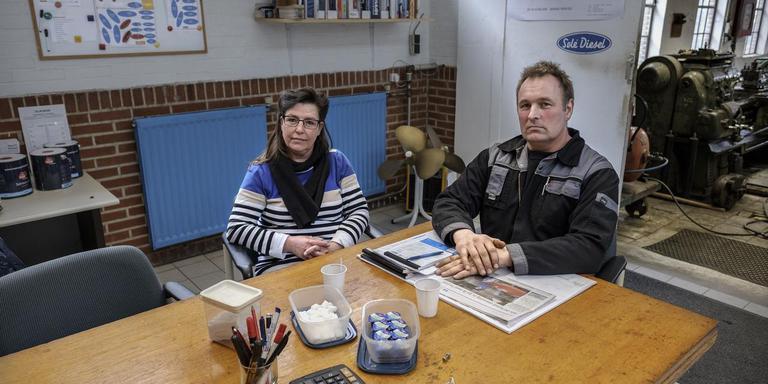 Lidia Koning en Stijn Scheidema: ,,Bij de tweede beving was het alsof er een trein door het gebouw denderde.'' Foto: Jan Zeeman