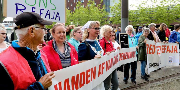 Eerder protest tegen sluiting van afdelingen van Refaja in Stadskanaal. Foto: Harry Tielman