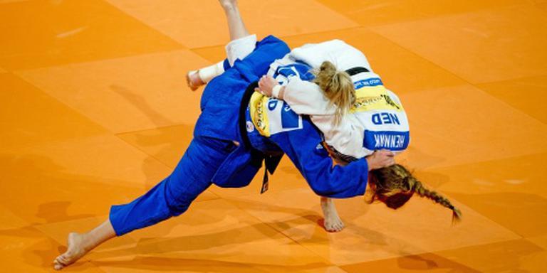 Judoploeg met twee debutanten in Parijs