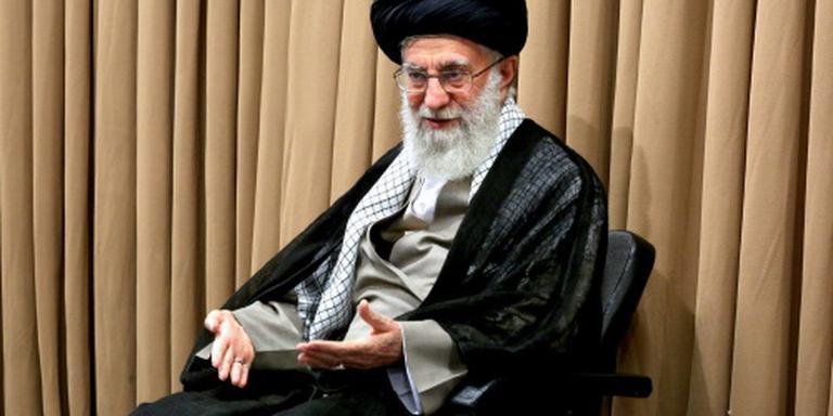 Khamenei steekt spaak in wiel Ahmadinejad