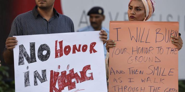 Pakistan neemt wet tegen eerwraak aan