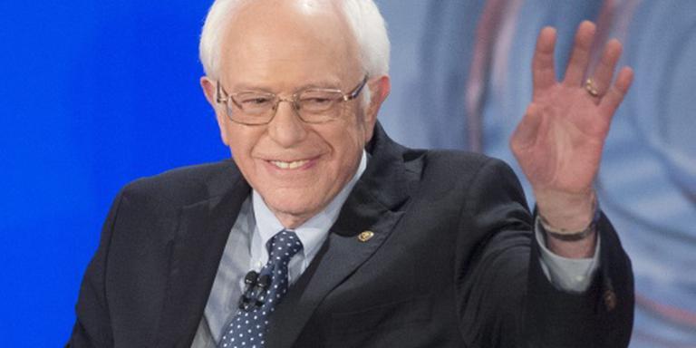 Clinton en Sanders spelen op de man in debat