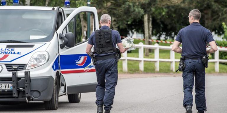 Politie doodt gijzelnemers in Franse kerk