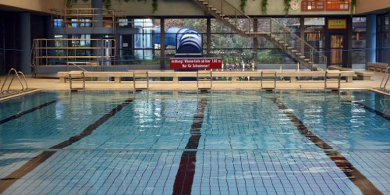 Vluchtelingen mogen zwembad weer in