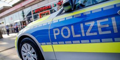 Politieagenten verdacht van nazipropaganda