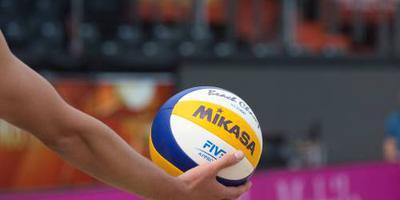 Volleyballers verliezen zonder gevolgen
