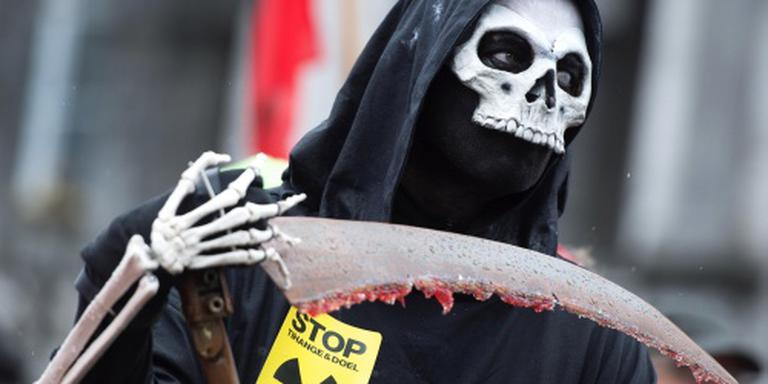 Duizenden eisen sluiting kerncentrale Tihange