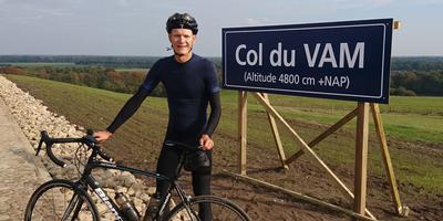 Zwoebe op de top van de Col du VAM