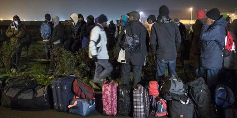 Ontruiming vluchtelingenkamp Calais begonnen