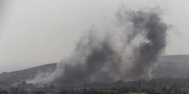 Gevechtsvliegtuigen bombarderen Aleppo