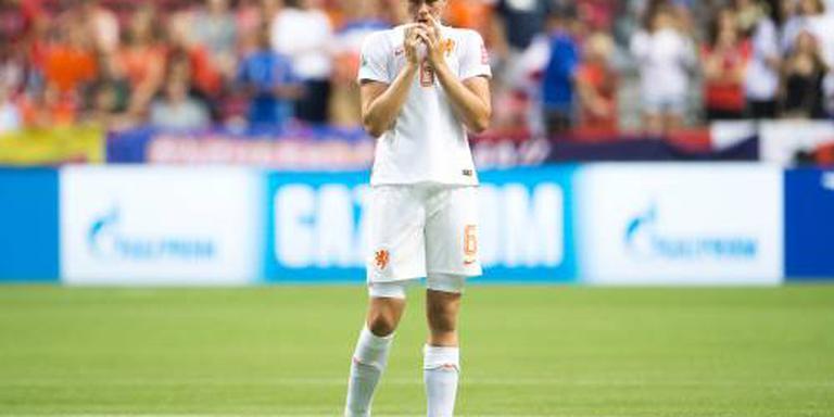 Roord vervangt Dekker bij voetbalsters Oranje