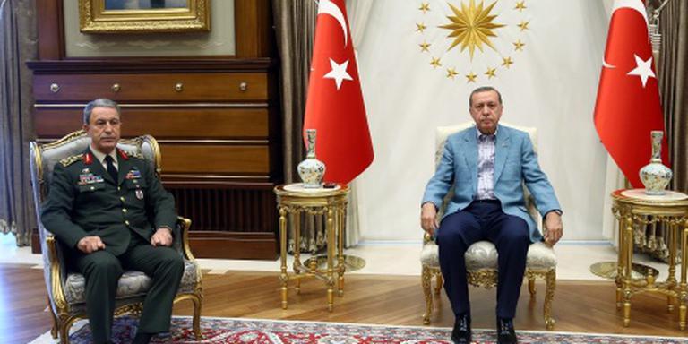 Erdogan wil soldaten en spionnen commanderen