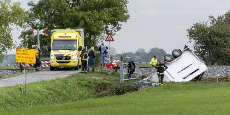 Op de overgang gebeurden twee dodelijke ongelukken in 2014. FOTO ARCHIEF DVHN