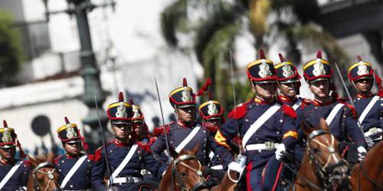 Argentinië zet militairen meer in