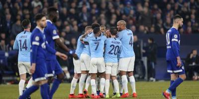 City breekt met tien man verzet Schalke 04
