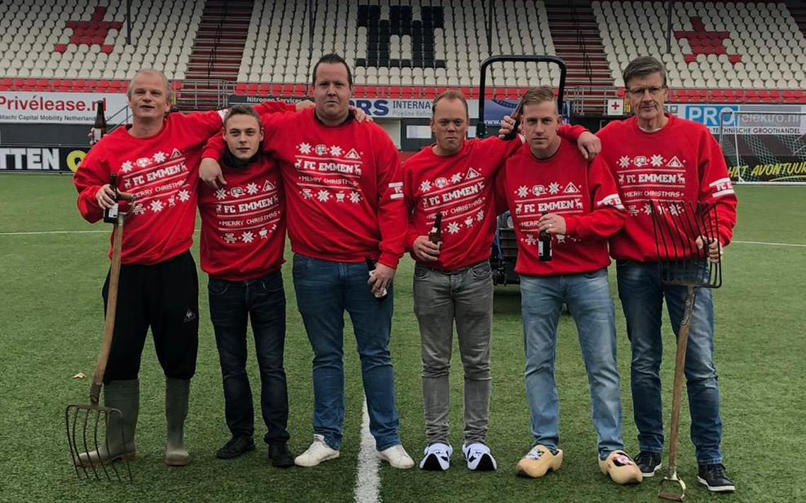Kersttrui 20 Euro.Collectors Item Voor Fans Fc Emmen De Foute Kersttrui Drenthe
