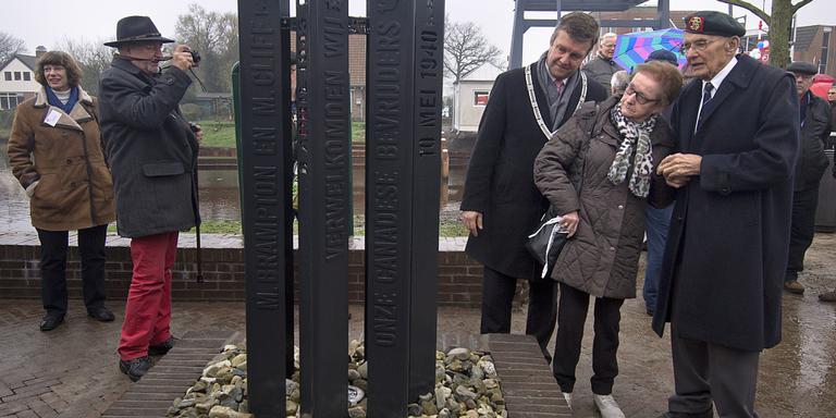 Nieuw monument en nieuwe brug voor Coevorden