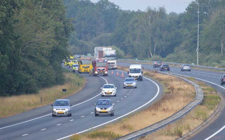 File op A28 bij De Schiphorst na ongeluk.