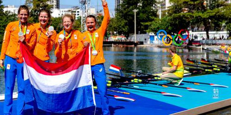 Vrouwen dubbelvier naar finale EK roeien