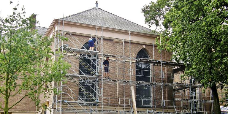 Grote Kerk Emmen zamelt geld in voor nieuw dak