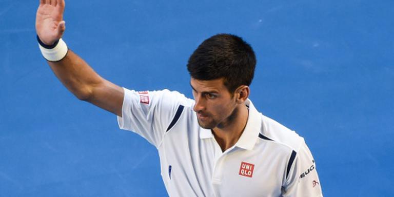 Djokovic met moeite naar kwartfinales
