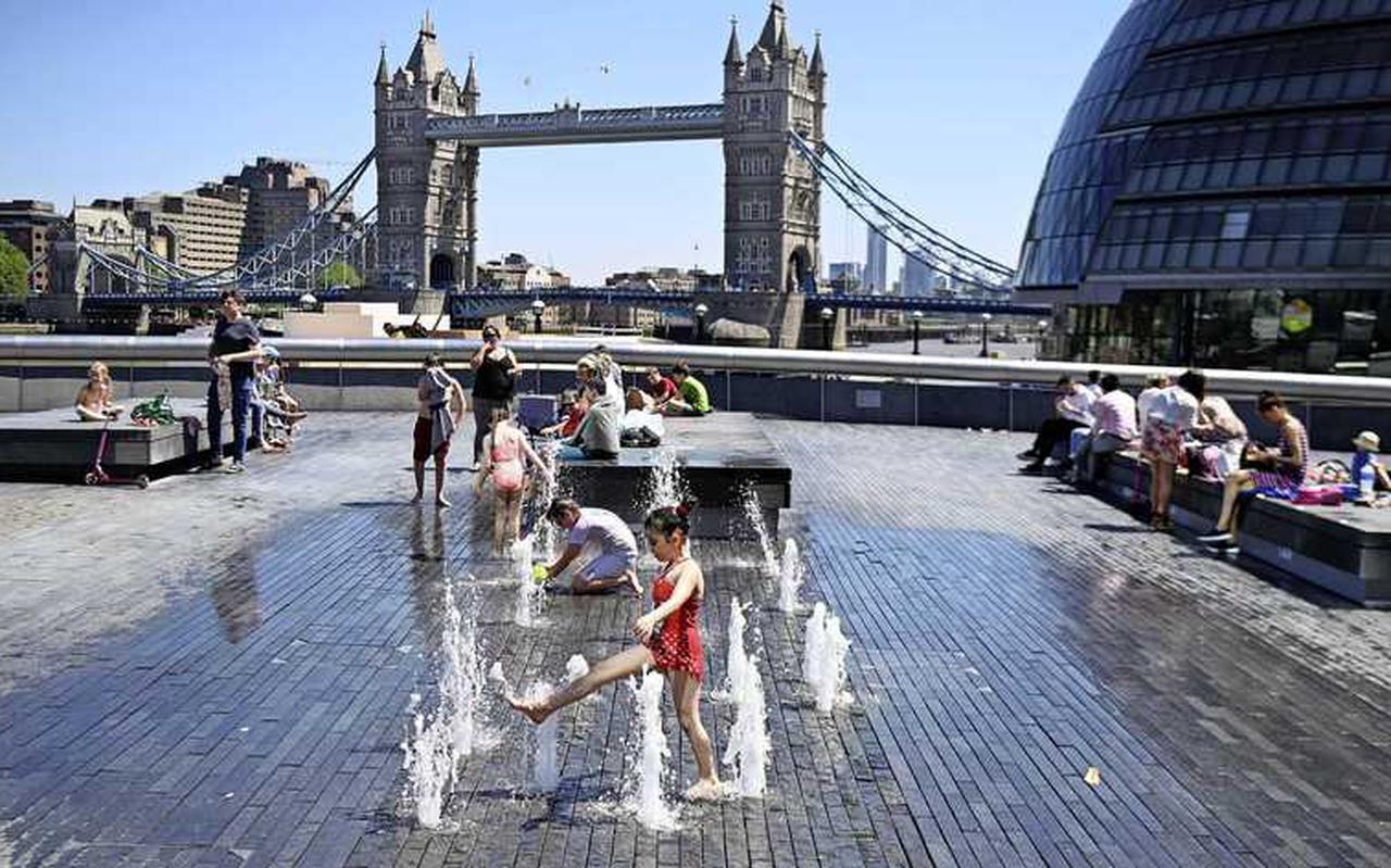 De situatie in Engeland, waaronder Londen, is rooskleurig voor de Britten. Nederlanders zijn nog niet echt welkom.