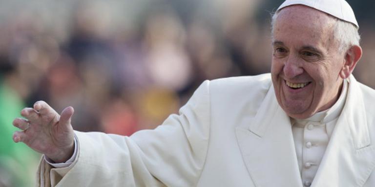 Paus Franciscus krijgt Karelsprijs
