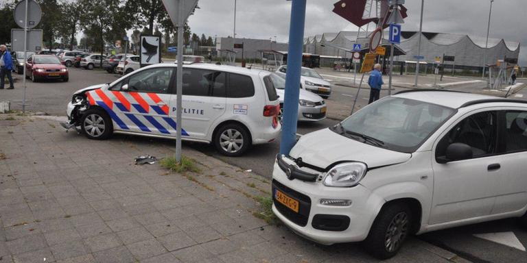 Politie auto betrokken bij ongeval nabij Kardinge.