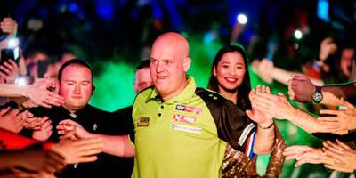 Van Gerwen met speels gemak langs Cross