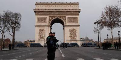 Duizenden gele hesjes betogen in Frankrijk