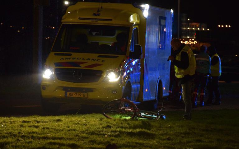 Fietser gewond na aanrijding op Hoendiep in Groningen.