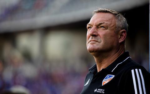 Het is officieel rond: Ron Jans voor één seizoen als trainer naar FC Twente