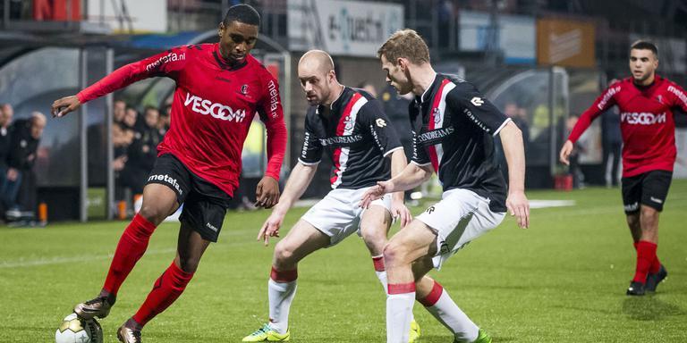 FC Emmen helpt Helmond aan vrolijk carnaval